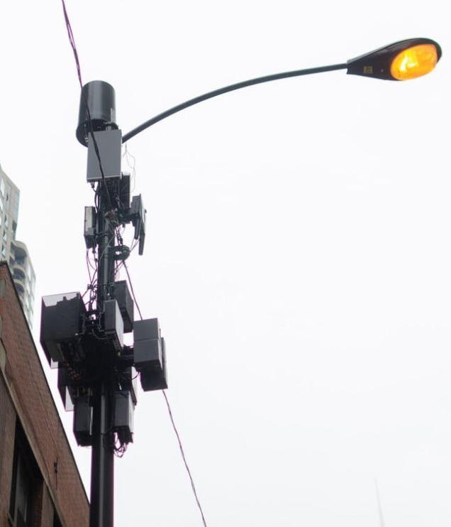 Chicago_Verizon 5G minitower